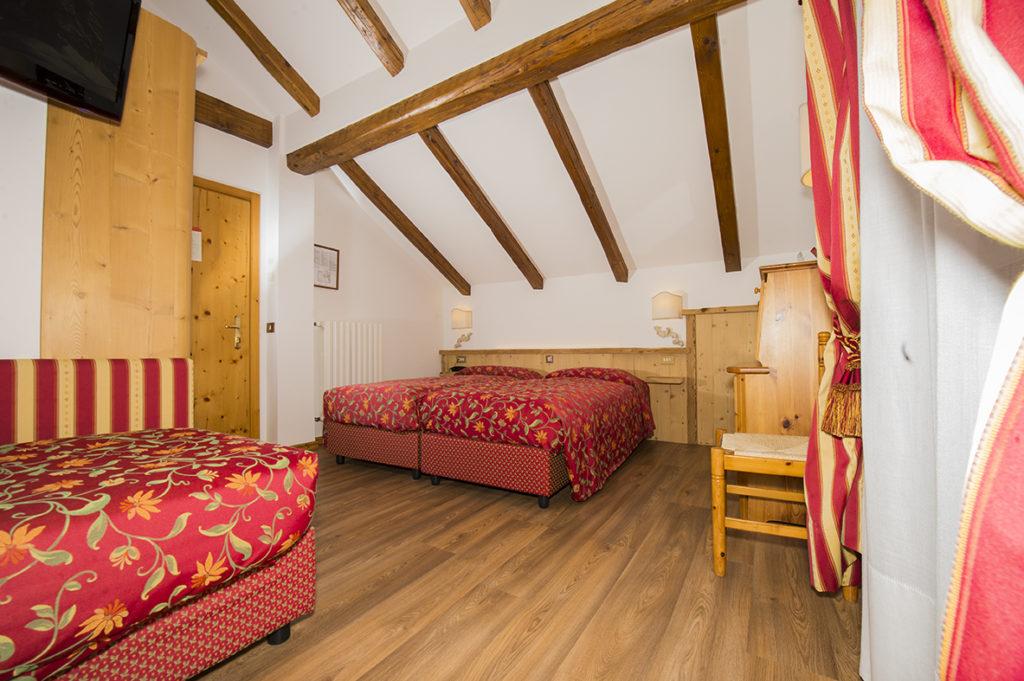 Rifacimento delle camere al quarto piano