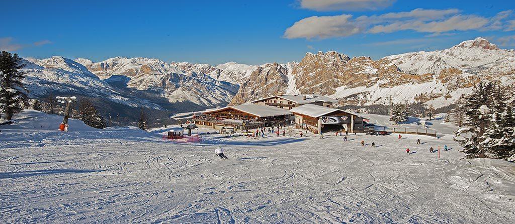 manager di google affitta hotel a Cortina